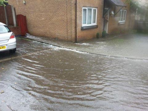 Yeovil Express: FLOODS: Warning to people returning home after the floods.