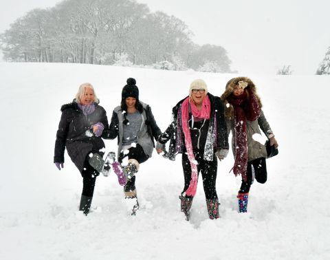 Yeovil Express: Fun in the snow at Nether Stowey. January 23, 2013.