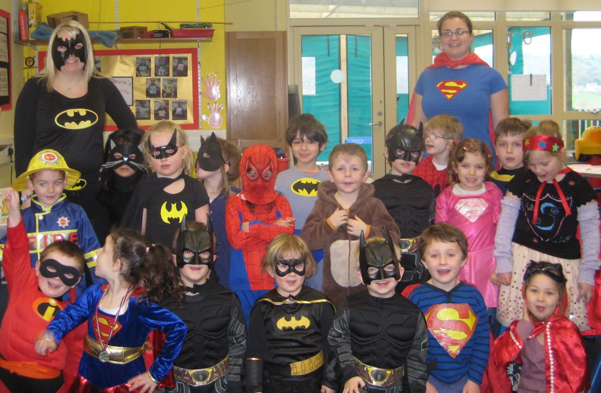 Superheroes and ace detectives in Chardstock