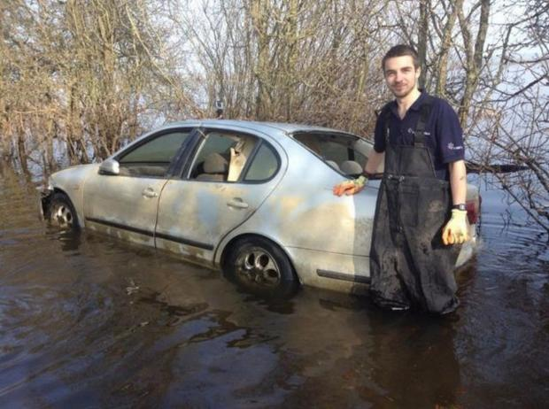 Yeovil Express: £101,100 eBay bid for Muchelney flood car a hoax