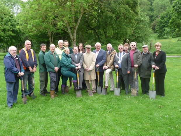 Yeovil Country Park turf cutting