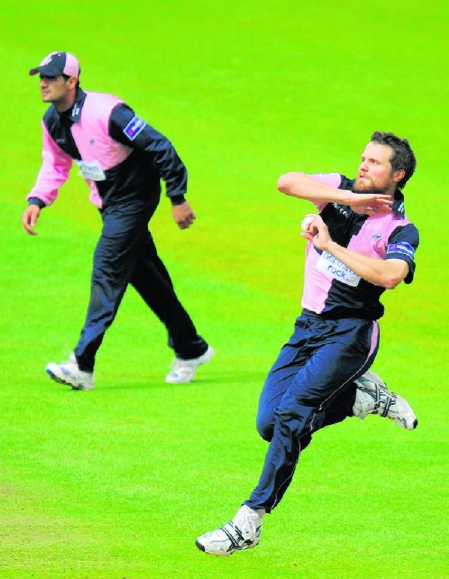Dirk Nannes in action for Middlesex.
